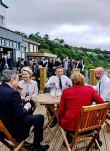 Angela Merkel: AHA predigen und bei G7 in Großbritannien gemeinsam feiern